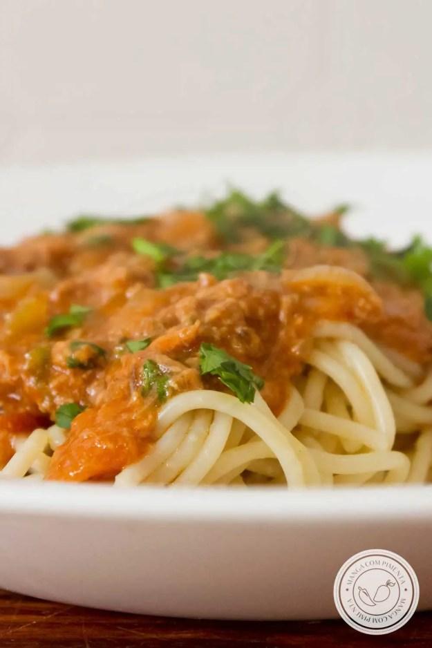 Receita de Macarrão com Atum e Molho de Tomate - para o almoço rápido, gostoso e nutritivo na semana!
