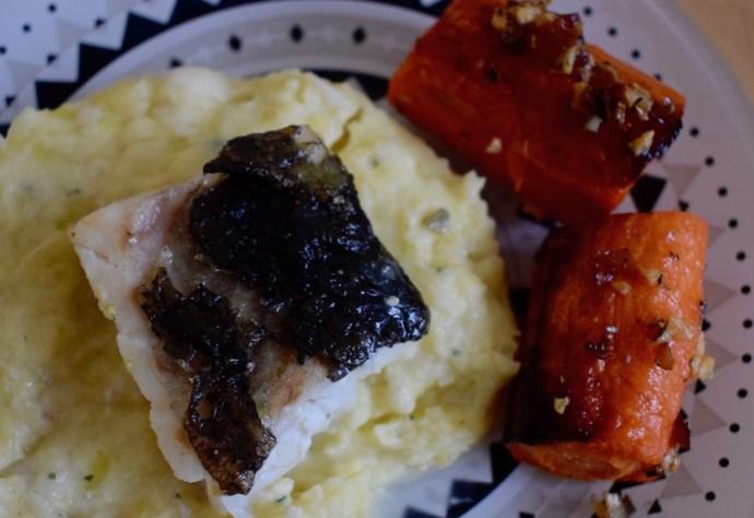 Duo de cabillaud et de morue, purée de pommes de terre à l'huile d'olive