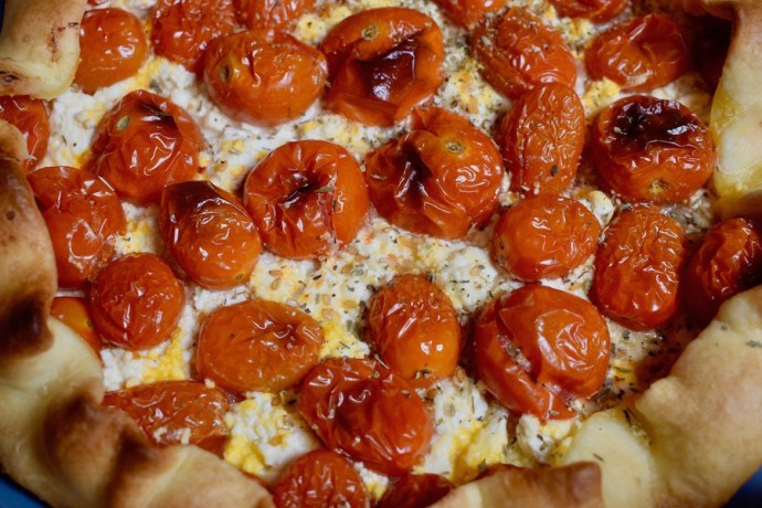 Tarte rustique aux tomates cerise & au chèvre doux
