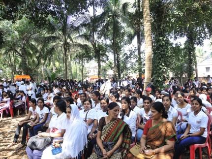 033 Gathering at the Youth Mela
