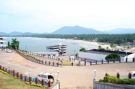 Murudeshwara-Beach1