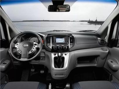 Nissan-Evalia-dashboard