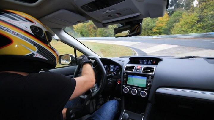 Jedno kolo na nejtěžším okruhu na světě, projeďte se s námi v Subaru po Nürburgringu