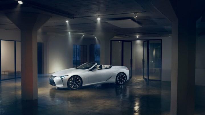 Lexus LC označen za nejlepší kabriolet ve Velké Británii