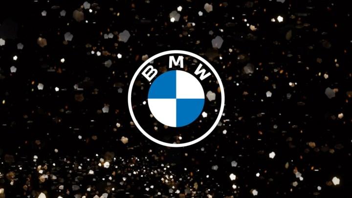 """BMW představilo nové logo. Prý """"lépe vyhovuje digitálnímu věku"""""""