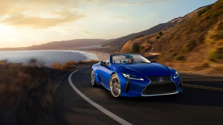 Jak Lexus LC Convertible krotí vítr po stažení střechy