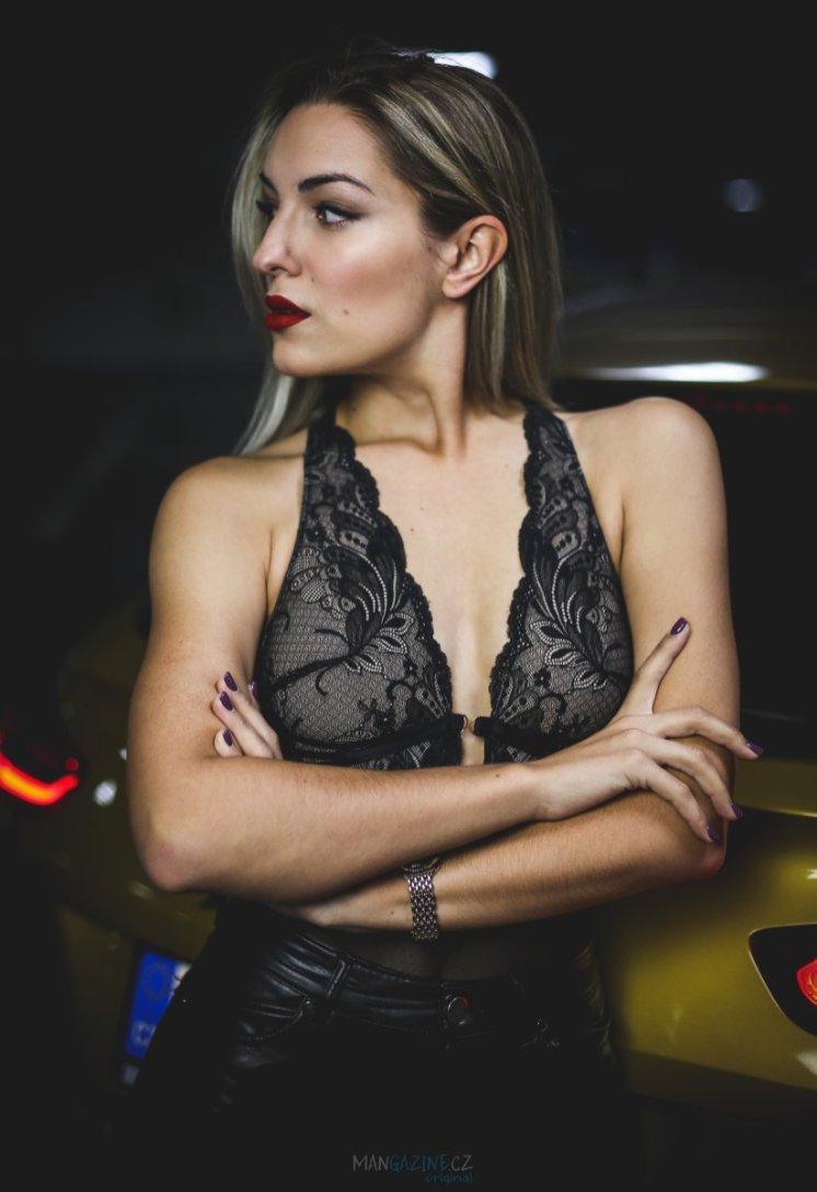 cara-loves-lingerie-kia-xceed-mangazine_cz-original- (40)