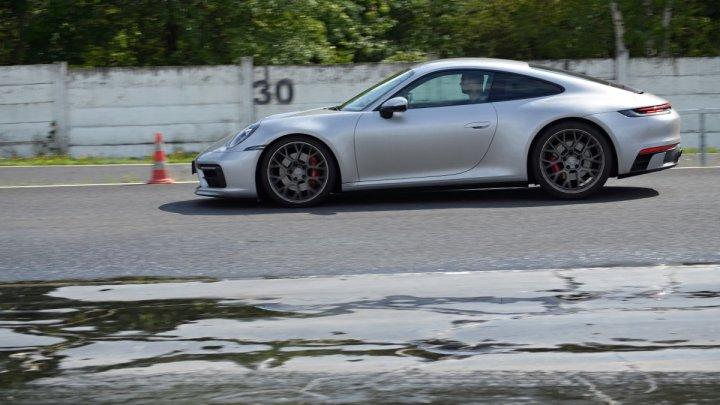 Majitelé vozů Porsche si oblíbili autodrom, budou mít svůj kurz