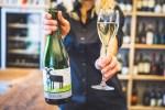 Jídlo a víno až domů nebo do firmy, prodej voucherů či poradenství. Restaurace hledají nové cesty, jak se zachránit