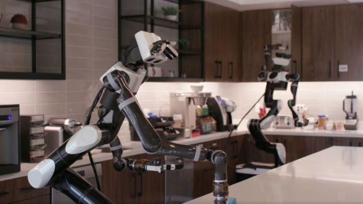 Roboti Toyoty se už učí pomáhat doma při vaření