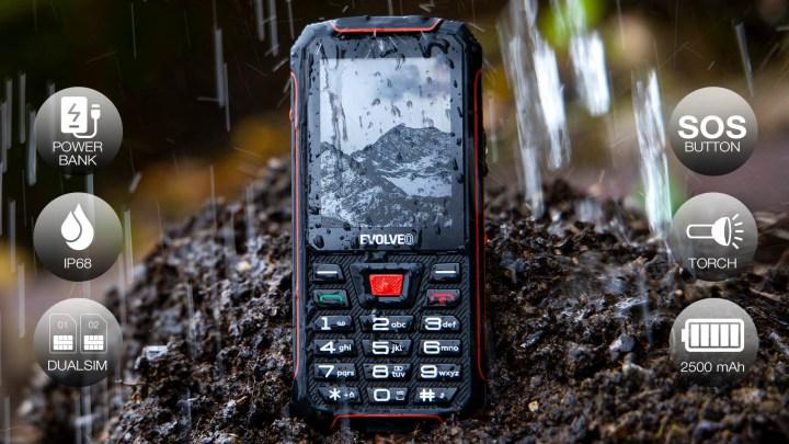 EVOLVEO StrongPhone Z4 je nejnovější odolný telefon. Má tlačítka i vlastní stojánek