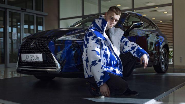 Návrhář Jan Černý teď jezdí Lexusem, který si sám navrhl