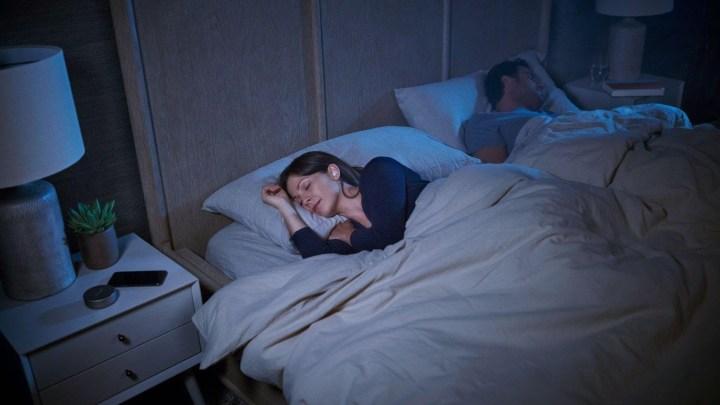 Co dělat, aby chrápání nerozdělovalo vaši ložnici