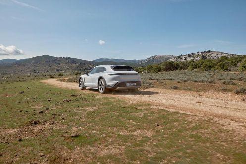Porsche_Taycan_Cross_Turismo- (6)