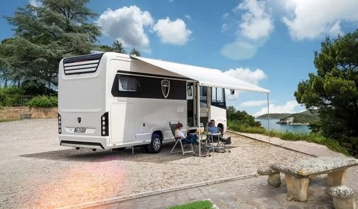 Morelo: luxusní německý obytný vůz na pohodlné cestování a pobyt v přírodě