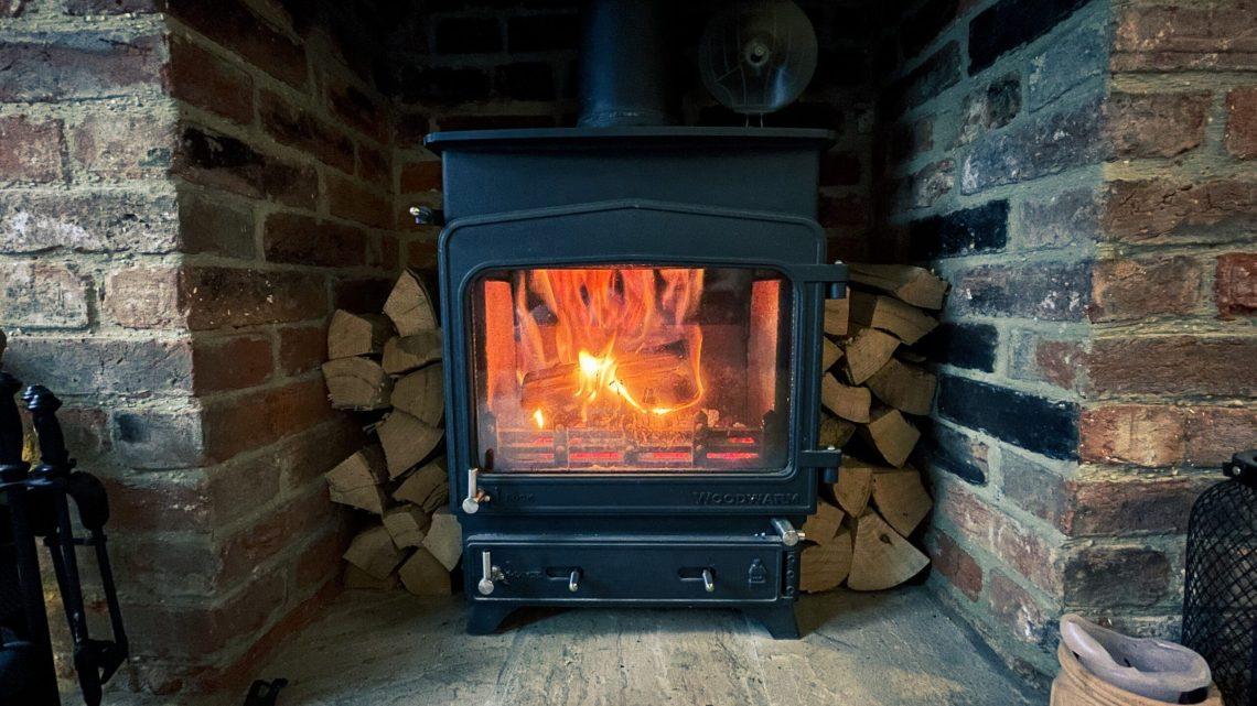 Plyn, elektřina, dřevo: Čím topit ekonomicky a efektivně?
