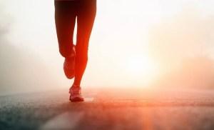 Vẻ đẹp người chạy marathon về chót