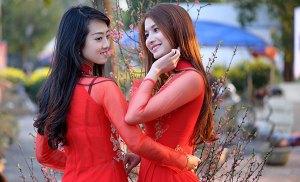 Thiếu nữ Bình Định xinh lung linh đón xuân