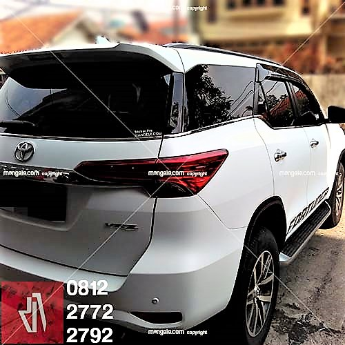 full wrapping stiker mobil bandung fortuner vrz putih doff kualitas mangele sticker pro