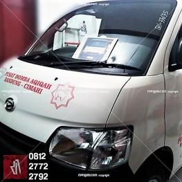 stiker branding mobil granmax di bandung | mangele pro 081227722792