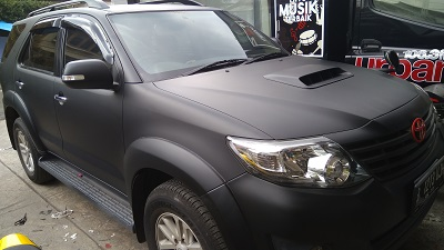 full wrapping hitam doff di bandung | fortuner vnt | mangele stiker | 081227722792