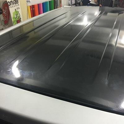 pasang wrapping stiker atap mobil | hitam gloss | mangele stiker 081227722792