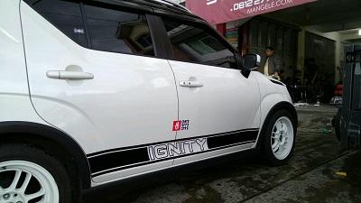Tempat cutting stiker mobil Bandung | suzuki ignis | mangele stiker 081227722792