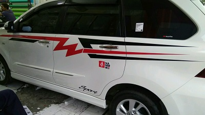 cutting stiker mobil   avanza veloz striping bandung   mangele stiker 081227722792