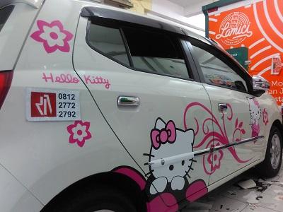 stiker-mobil-bandung-hello-kitty-agya-mangele