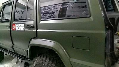 stiker-mobil-bandung-jeep-cherokke-nato-olive-mangele