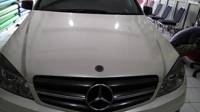 wrapping stiker mobil | putih mutiara Mobil Mercy | mangele stiker 081227722792