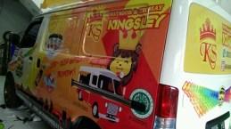 stiker-mobil-branding-granmax-batagor-kingsley-mangele
