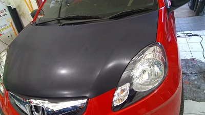 wrapping stiker mobil | brio carbon 4d bandung | mangele stiker 081227722792