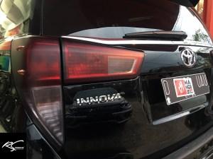 stiker mobil bandung mangele wrap sticker lampu biru hybrid dan smoke hitam doff