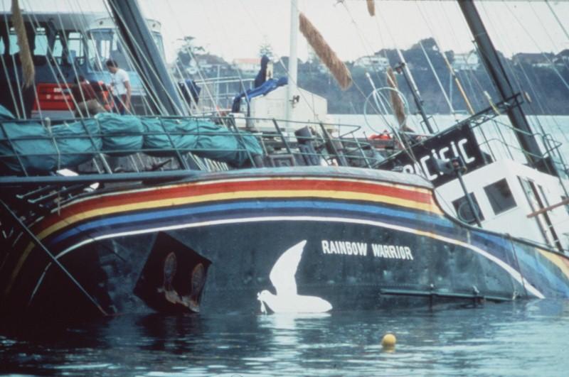 Rainbow Warrior I sinking