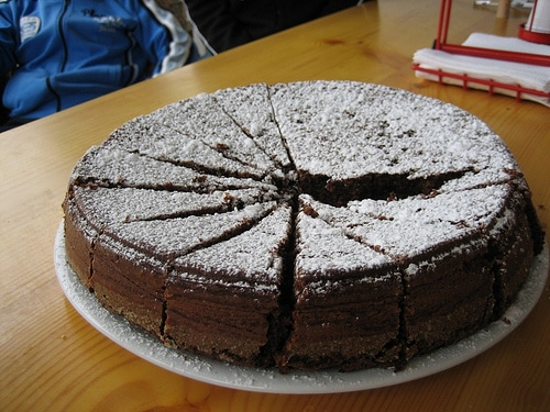 HAZELNUTS CHOCOLATE CAKE