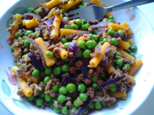 pasta di lenticchie rosse, piselli, macinato di soia
