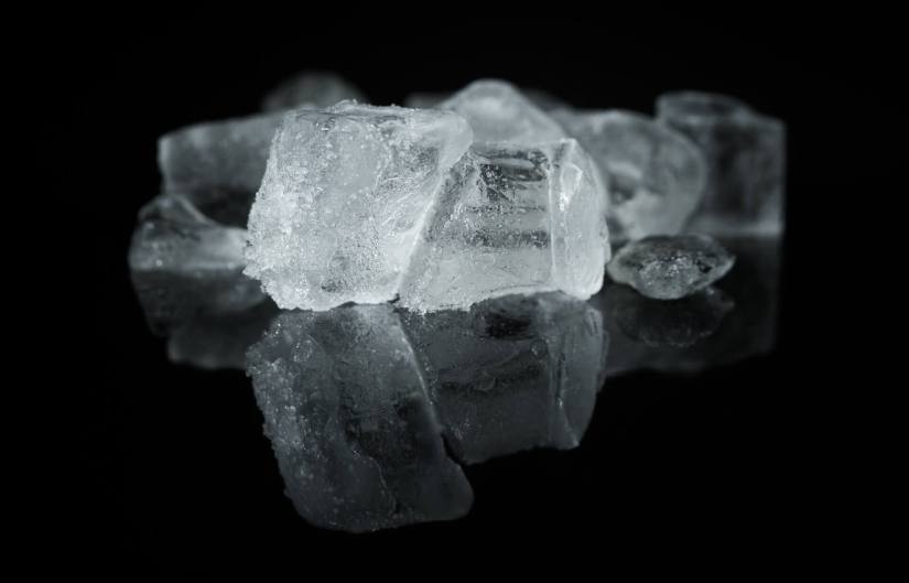 ice cubes for acne