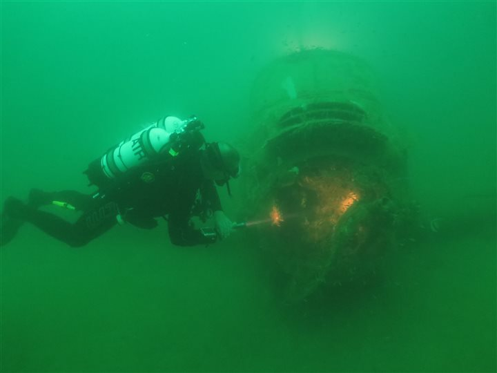 wreck diving subic bay