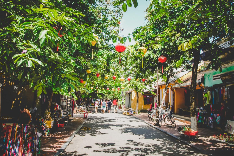 THINGS TO DO IN DA NANG VIETNAM - VISIT MAGICAL HOI AN