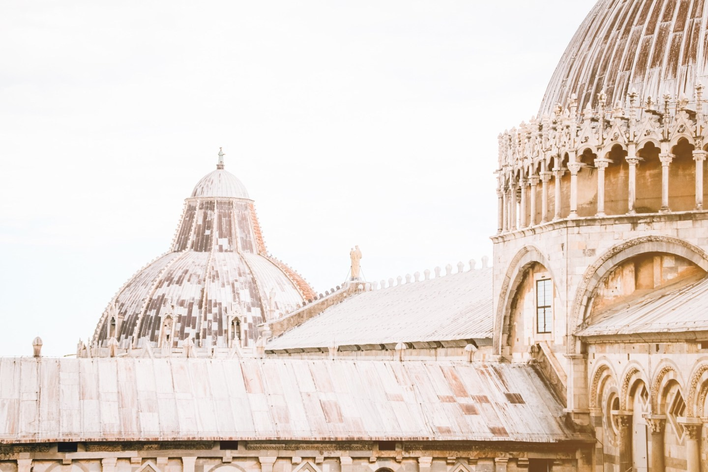 The real reason why you'll hate visiting Pisa, Italy.. And why you should love it instead! The ultimate guide to Pisa, Italy.