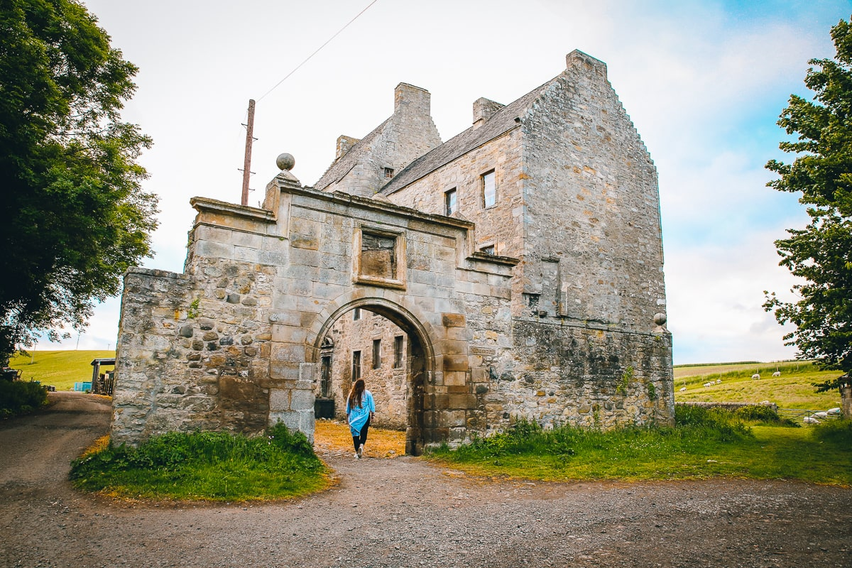 Scotland road trip - Midhope Castle aka Lallybroch
