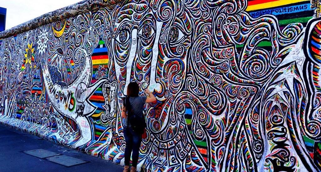 Visiting Berlin's East Side Gallery