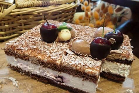 エメラルドの都へ ブラックフォレストケーキ