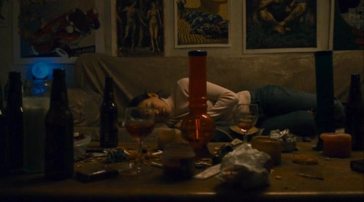 Procura-se Uma Babá - Um Filme de Terror de Baixo Orçamento Perturbador e Sangrento  (3/6)