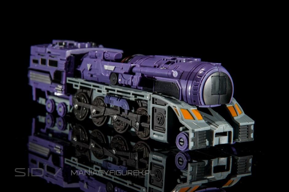 Transformers Astrotrain aka Chigurh by DX9 train mode