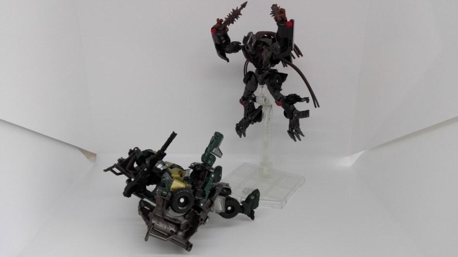 Transformers Studio Series Crowbar robot-stand-Takara
