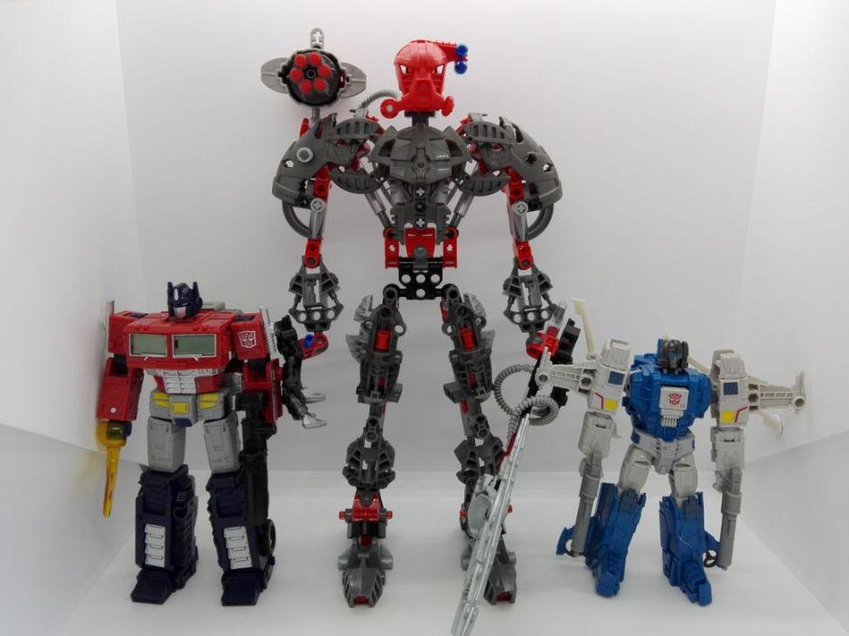 LEGO Bionicle 8924 Maxilos & Spinax Maxilos-comparison-3