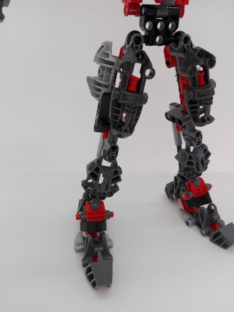 LEGO Bionicle 8924 Maxilos & Spinax Maxilos-leg-1
