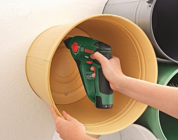 como fazer estante finalizando Como fazer estante com baldes